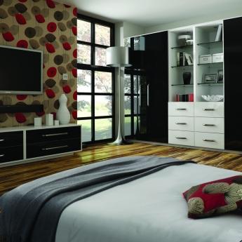 Bedrooms-Gloss-Black